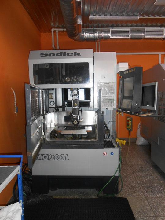 Cnc Wire Edm Machine Sodick Type Aq300l Mod Ln1w